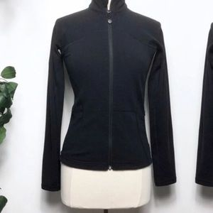 Lululemon catch me air fitted zip up black 8